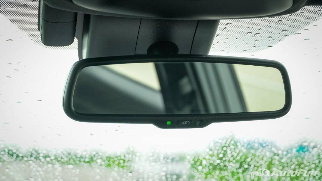 2021 Toyota C-HR Hybrid Premium Safety Interior 071