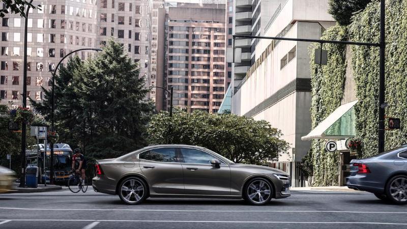 ส่องข้อดีข้อเสีย Volvo S60 ก่อนยกให้เป็นรถคู่ใจ 02