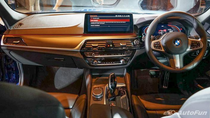 2021 BMW 5 Series Sedan 520d M Sport Interior 001