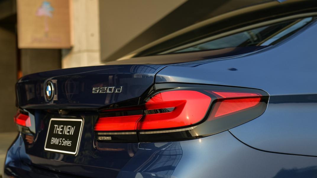 2021 BMW 5 Series Sedan 520d M Sport Exterior 032