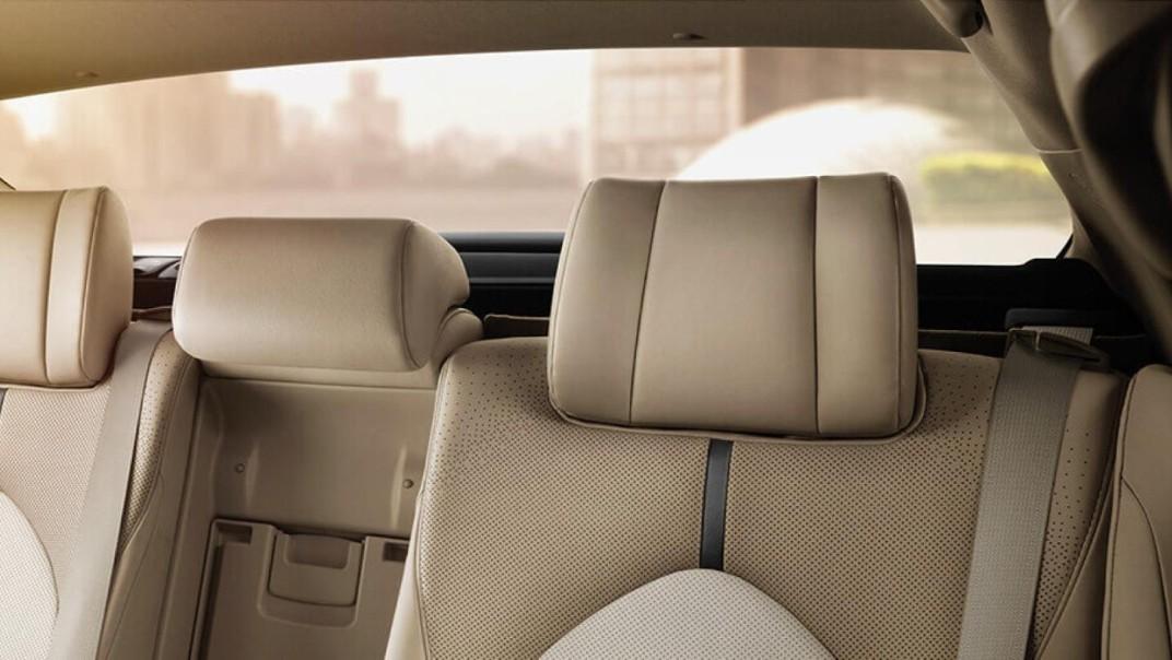 Toyota Camry Public 2020 Interior 008