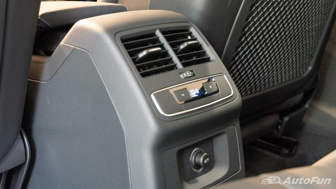2020 Audi A4 Avant 2.0 45 TFSI Quattro S Line Black Edition Interior 097