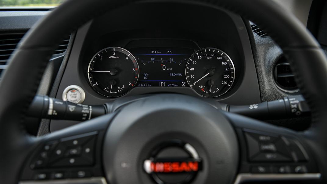 2021 Nissan Navara PRO-4X Interior 064