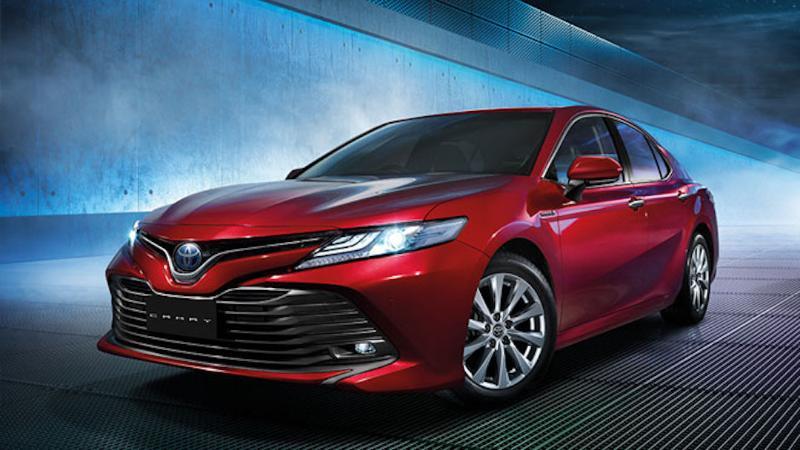 Toyota Camry ซีดานดีไซน์สปอร์ต พร้อมสมรรถนะขับขี่โดนใจ ราคาเริ่ม 1.455 ล้านบาท 02