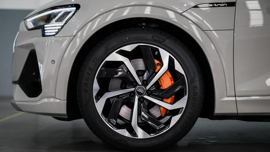 2020 Audi E Tron Sportback 55 quattro S line Exterior 053