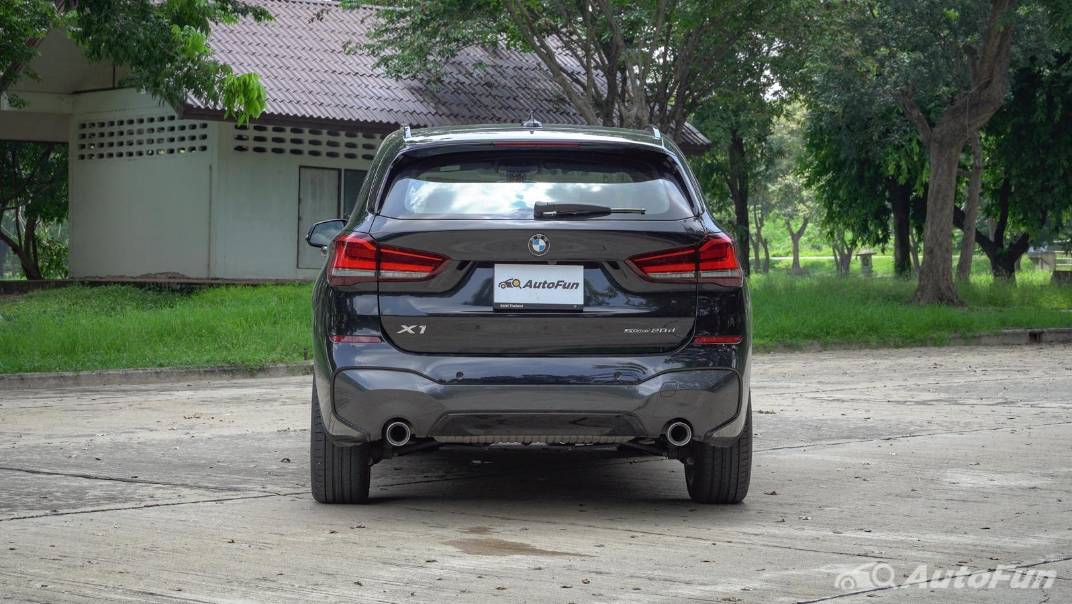 2021 BMW X1 2.0 sDrive20d M Sport Exterior 005