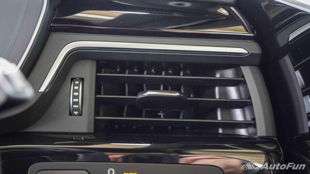 2020 Audi A4 Avant 2.0 45 TFSI Quattro S Line Black Edition Interior 028
