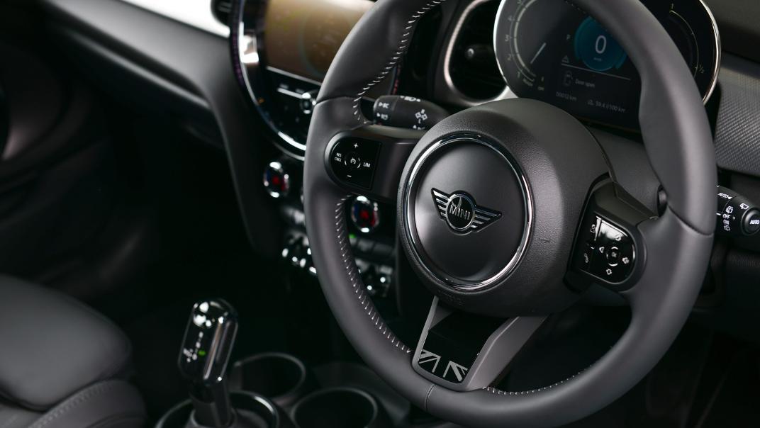 2021 MNI 3-Door Hatch Cooper S Interior 064