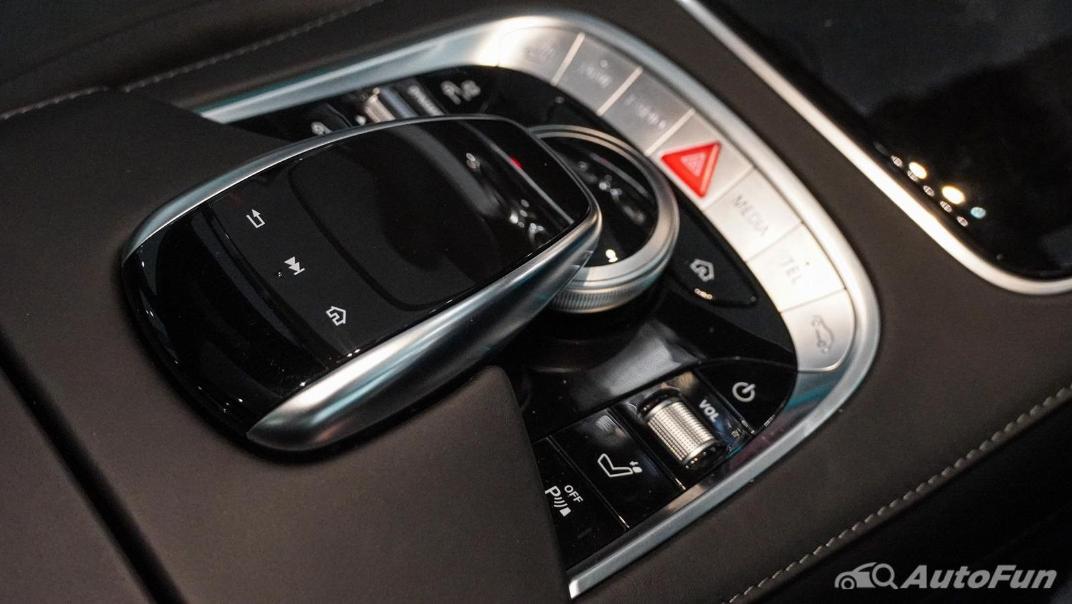 Mercedes-Benz S-Class S 560 e AMG Premium Interior 033