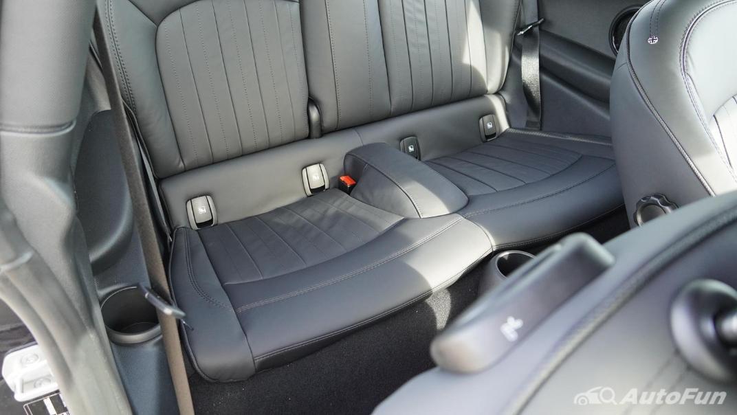 2021 MNI 3-Door Hatch Cooper S Interior 046