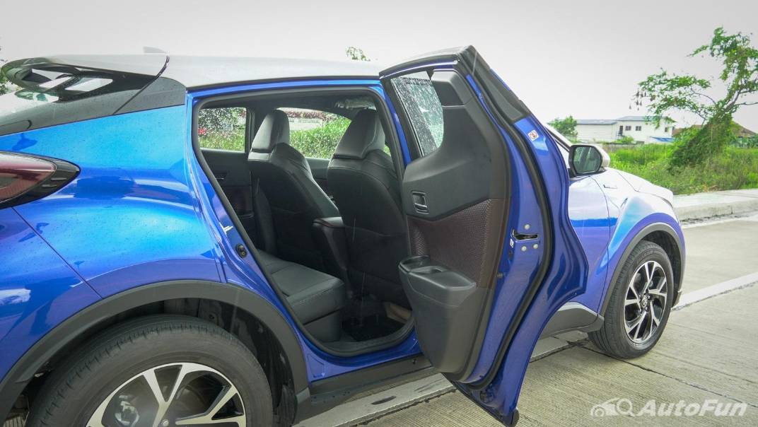 2021 Toyota C-HR Hybrid Premium Safety Interior 057