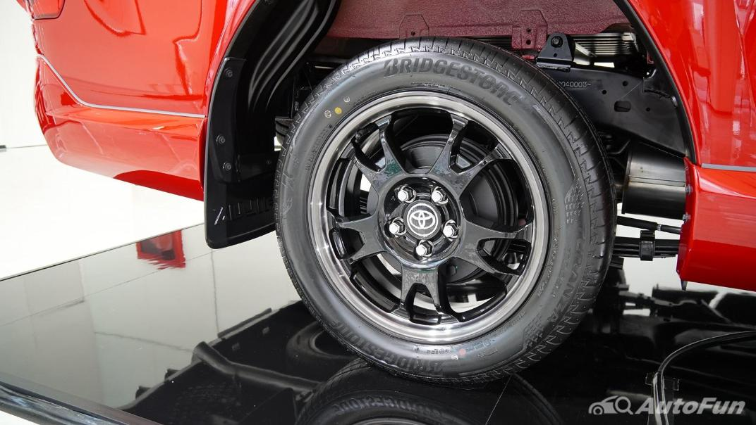 2021 Toyota Hilux Revo Double Cab 4x2 2.8 GR Sport AT Exterior 016