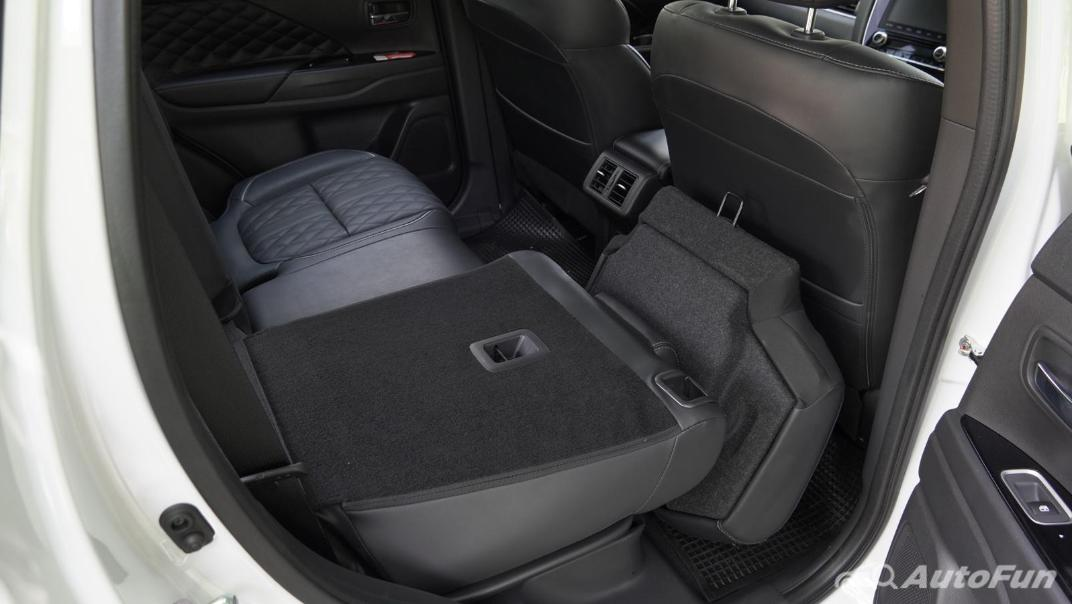 2021 Mitsubishi Outlander PHEV GT-Premium Interior 066
