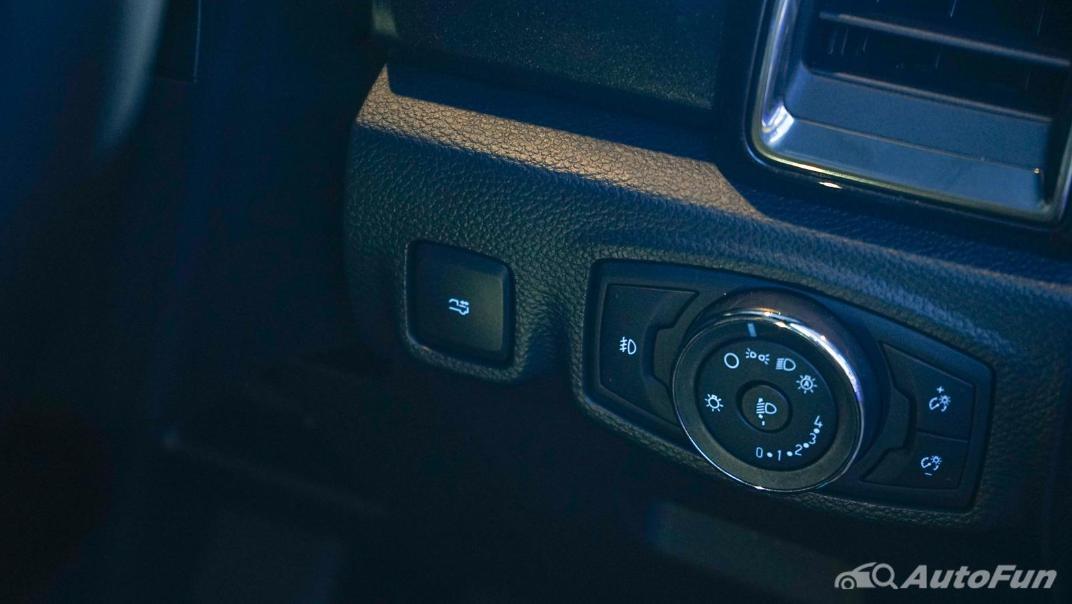 2021 Ford Ranger Wildtrak Interior 002