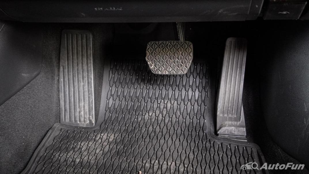 2020 Mazda 3 Fastback 2.0 SP Sports Interior 018