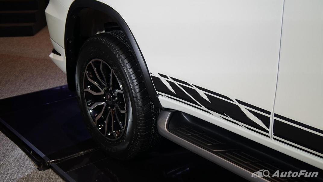 2021 Toyota Fortuner Exterior 025