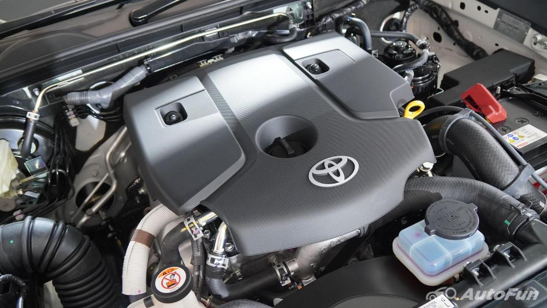 2021 Toyota Hilux Revo Double Cab 4x4 2.8 GR Sport AT Others 002