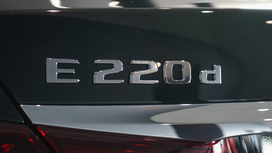 2021 Mercedes-Benz E-Class Saloon E 220 d AMG Sport Exterior 012