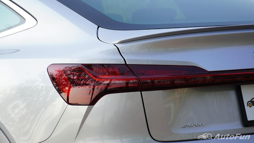 2020 Audi E Tron Sportback 55 quattro S line Exterior 025