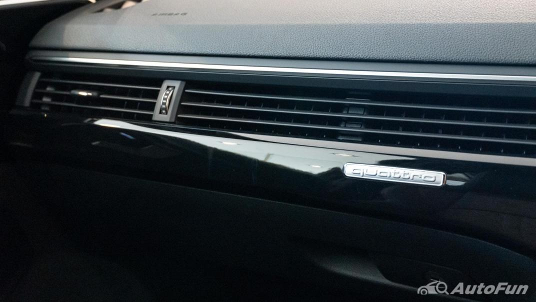 2020 Audi A4 Avant 2.0 45 TFSI Quattro S Line Black Edition Interior 096