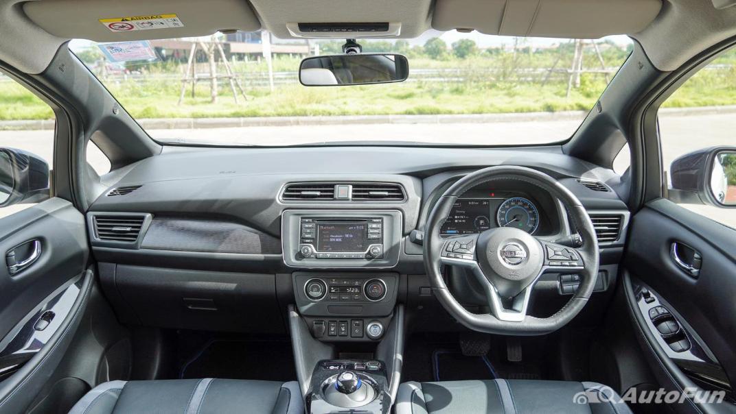 2020 Nissan Leaf Electric Interior 001
