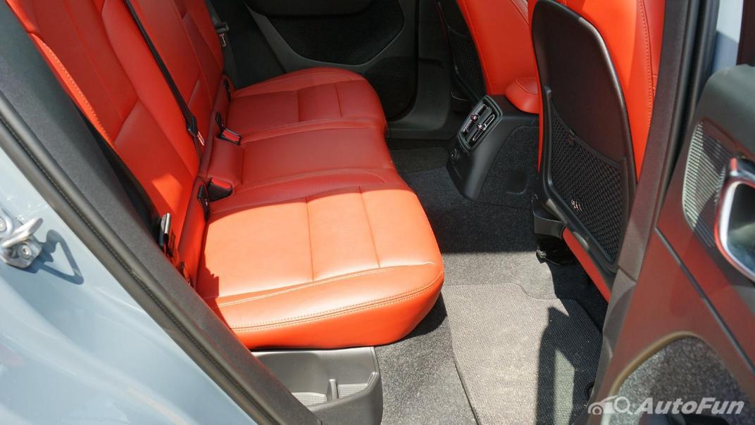 2020 Volvo XC 40 2.0 R-Design Interior 027