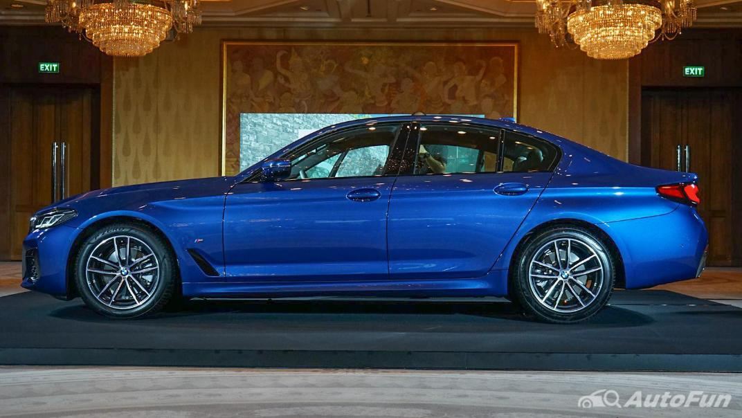 2021 BMW 5 Series Sedan 520d M Sport Exterior 007