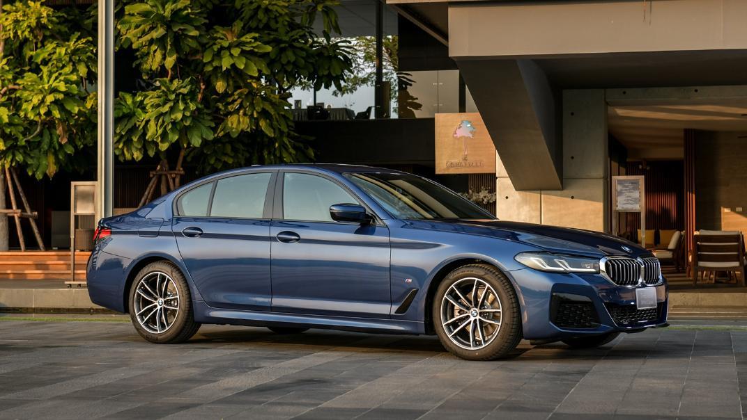 2021 BMW 5 Series Sedan 520d M Sport Exterior 027