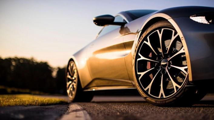 Aston Martin V8 Vantage 2020 Exterior 002