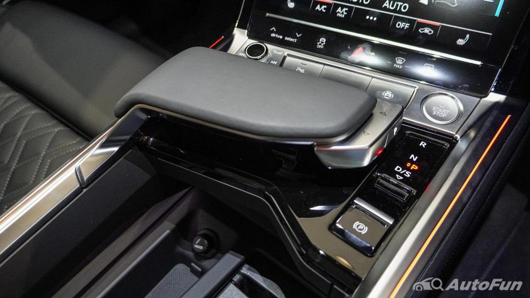 2020 Audi E Tron Sportback 55 quattro S line Interior 110