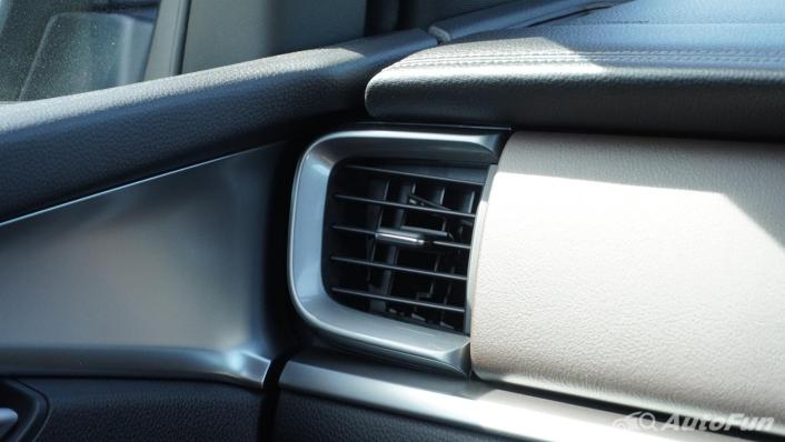 Mazda BT-50 Pro 2021 Interior 009