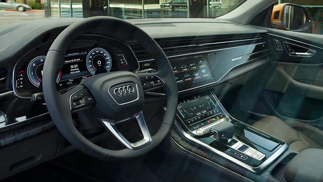 Audi Q8 2020 Interior 002