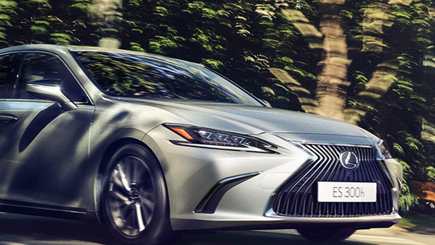 Lexus ES 2020 Exterior 022