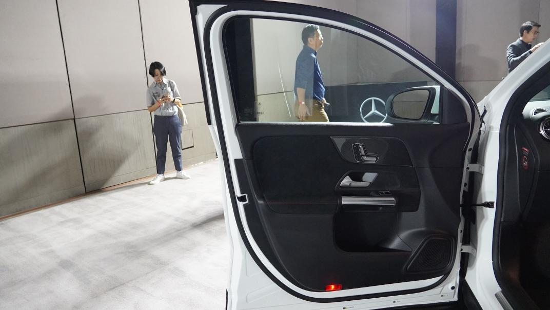2021 Mercedes-Benz GLA-Class 200 AMG Dynamic Interior 028