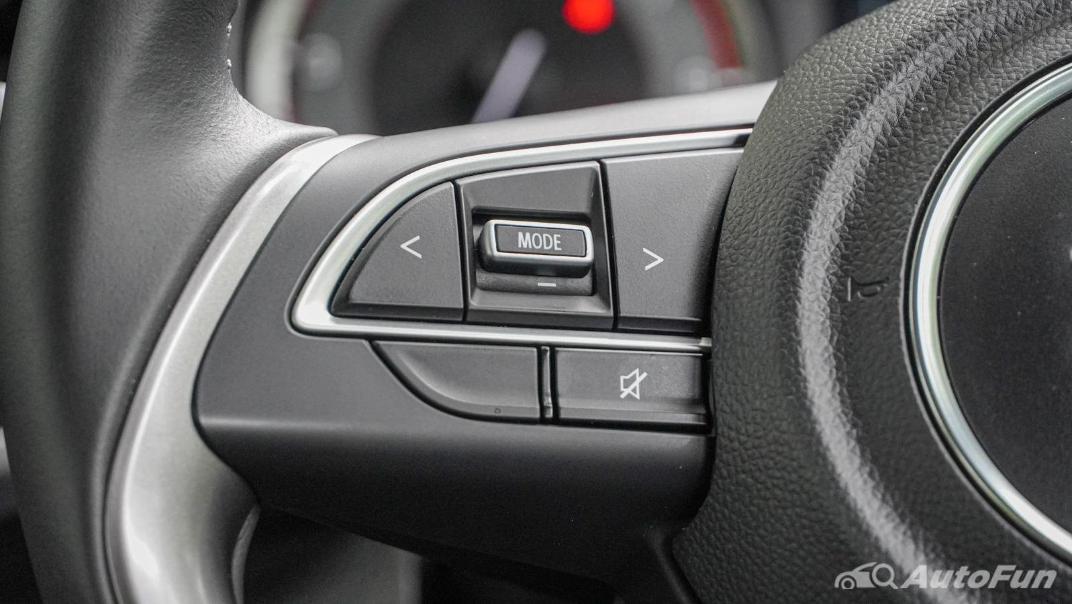2020 1.5 Suzuki XL7 GLX Interior 005