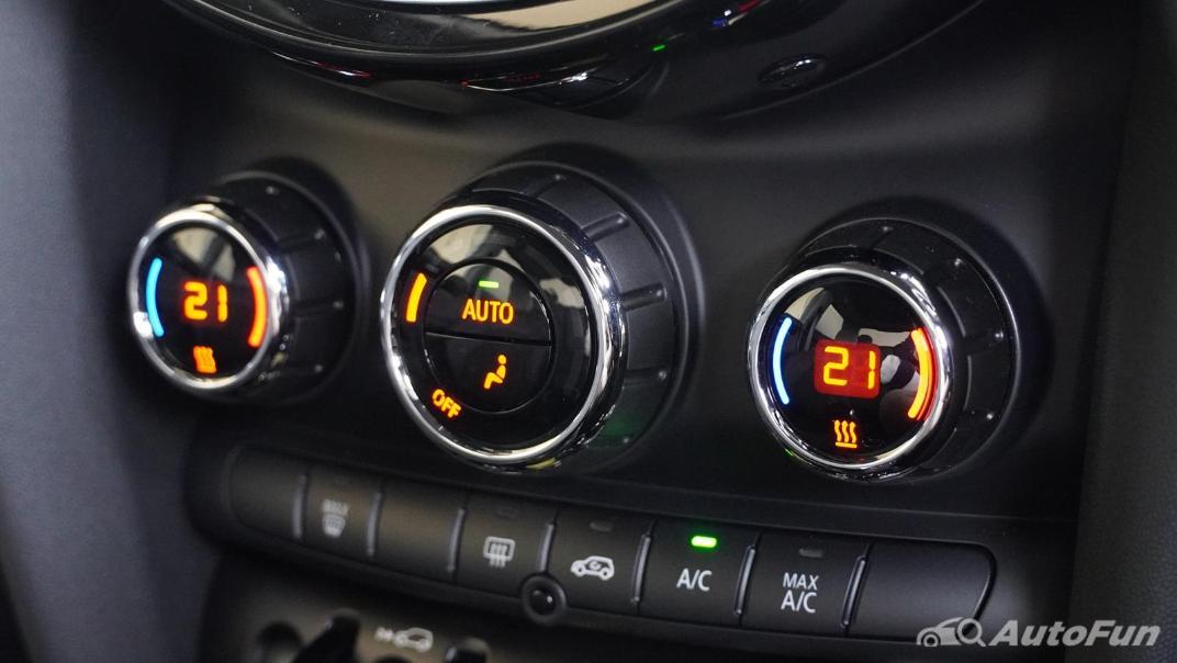 2021 MNI 3-Door Hatch Cooper S Interior 020