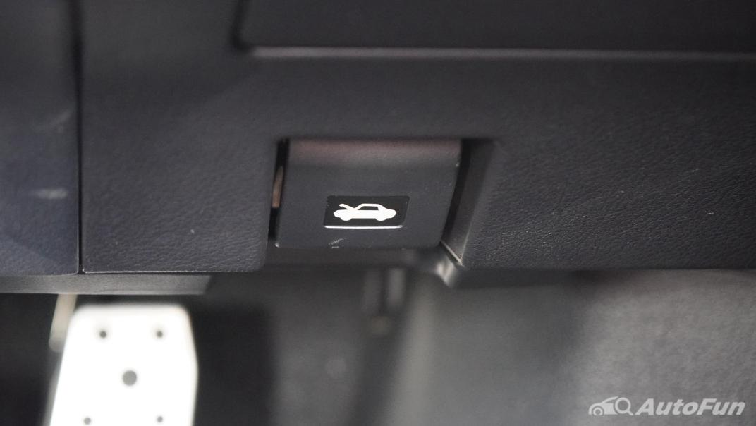 2020 Lexus RX 3.5 350 F Sport Interior 015