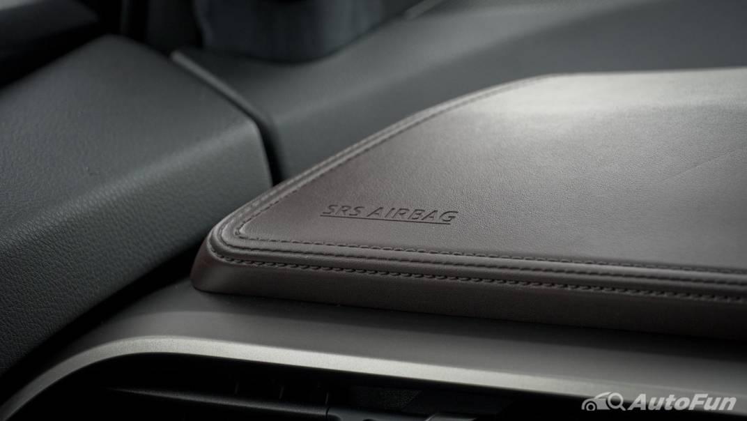 2021 Toyota C-HR Hybrid Premium Safety Interior 025