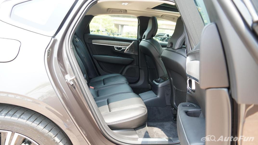 2021 Volvo S90 Recharge Interior 028