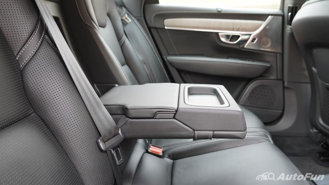 2021 Volvo S90 Recharge Interior 031