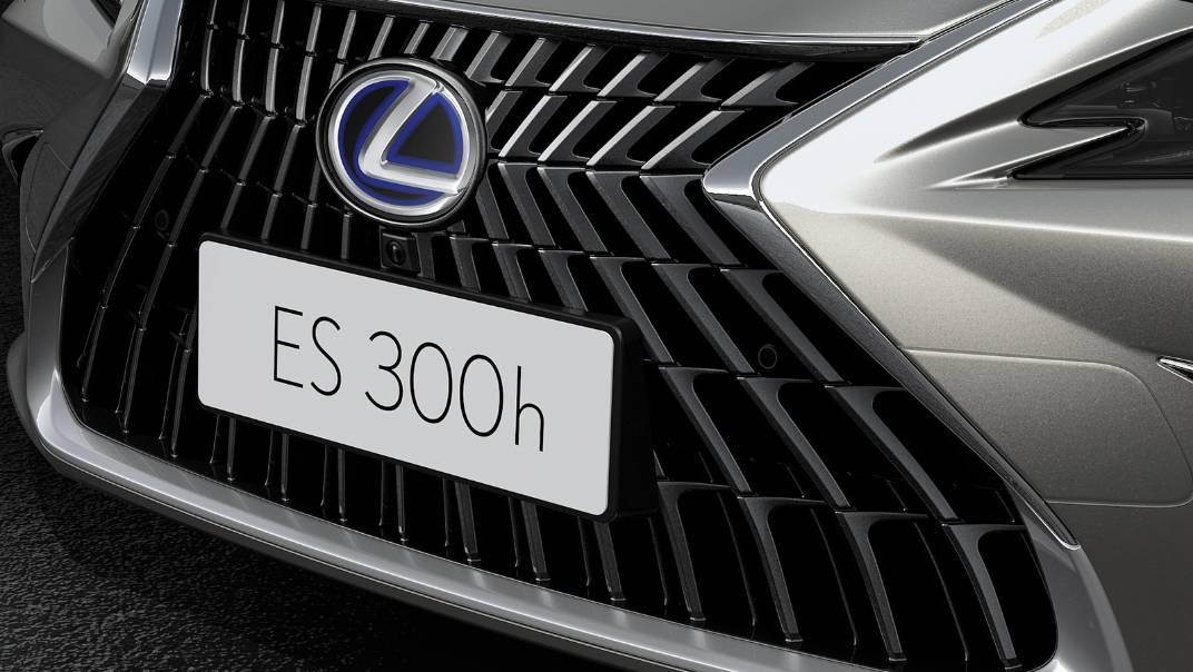 2021 Lexus ES 300h Premium Exterior 006