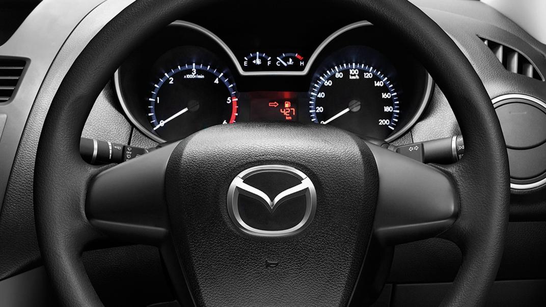 Mazda BT-50 Pro 2020 Interior 002