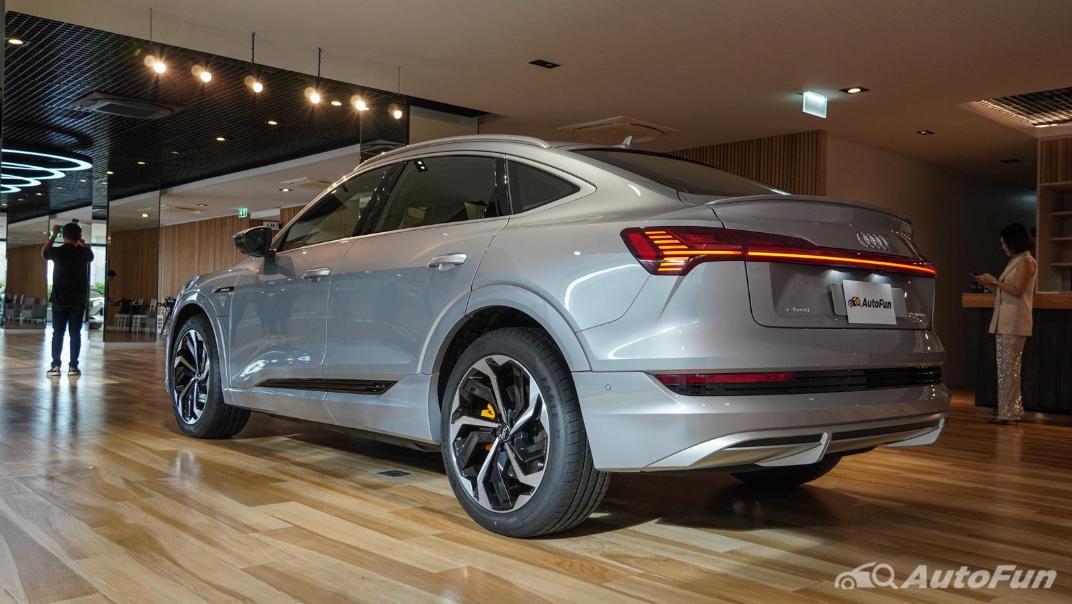 2020 Audi E Tron Sportback 55 quattro S line Exterior 017