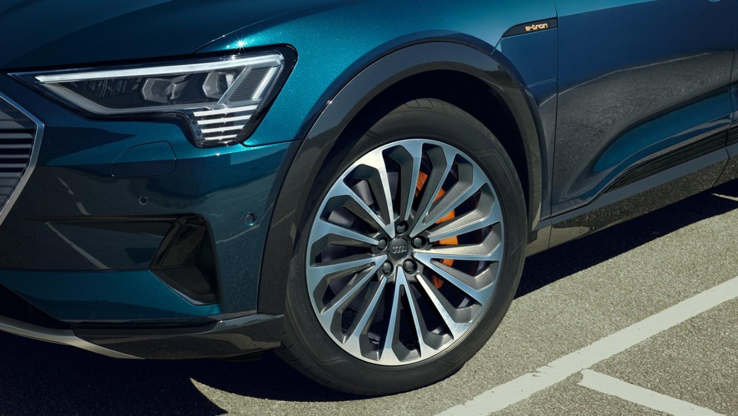 Audi E Tron 2020 Exterior 015