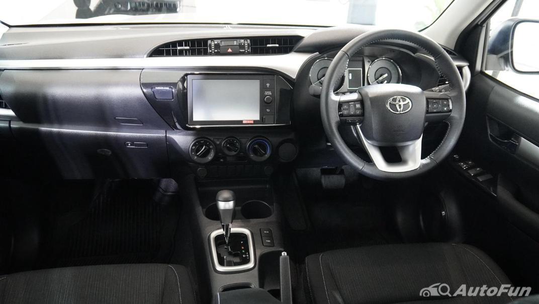2021 Toyota Hilux Revo Double Cab Z Edition Interior 001