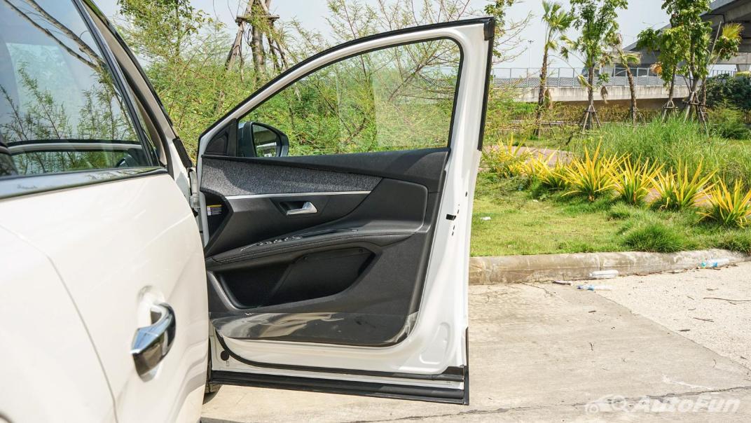 2020 Peugeot 5008 1.6 Allure Interior 016