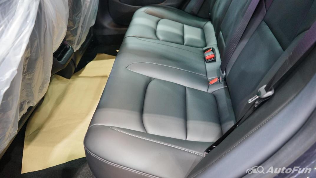 2021 Tesla Model 3 Performance Interior 010