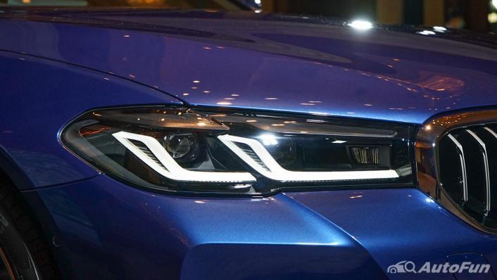 2021 BMW 5 Series Sedan 520d M Sport Exterior 010