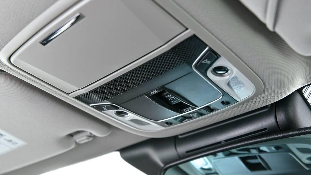 2021 Honda Accord 2.0L e:HEV EL+ Interior 058