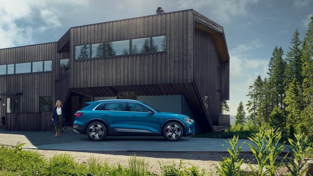 Audi E Tron 2020 Exterior 020